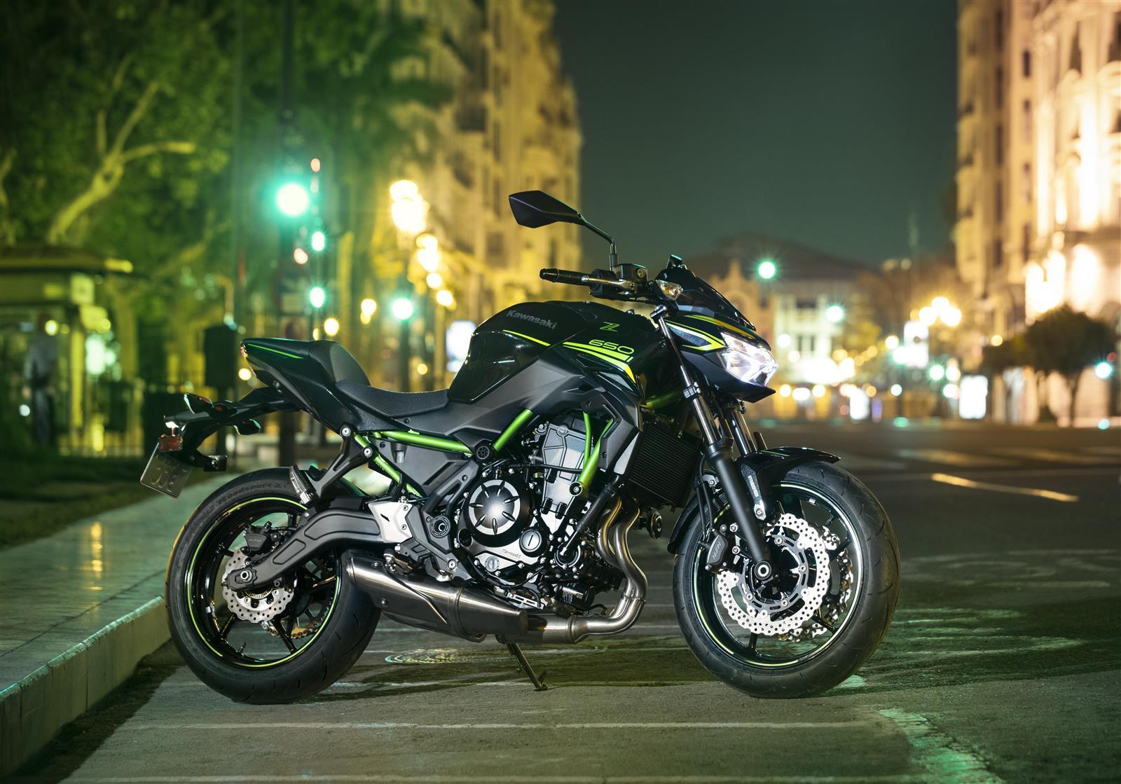 Comparativa Kawasaki Z650 2020 - Yamaha MT-07 2018-2020